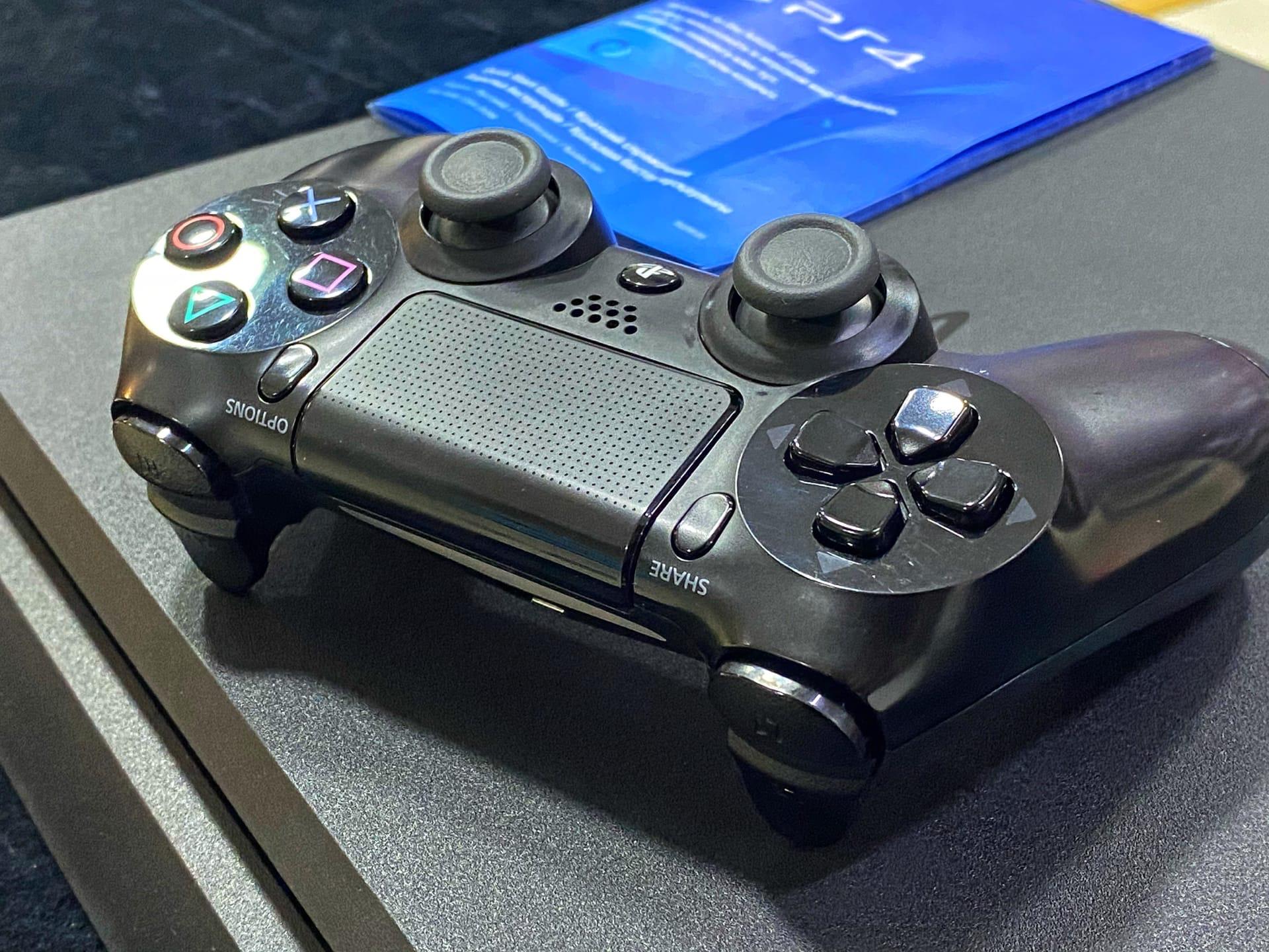 Первые живые фотографии Sony PlayStation 5 демонстрируют